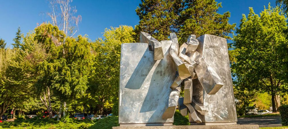Discover Lynnwood - Sculpture at Veterans Park
