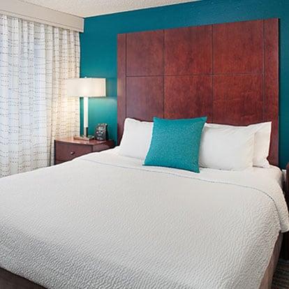 Residence Inn Lynnwood hotel room